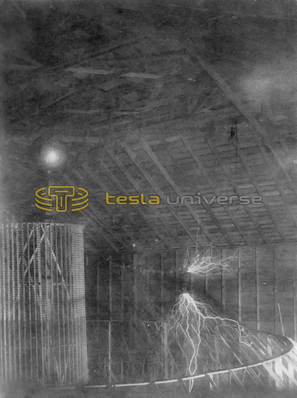 Tesla's Colorado Springs oscillator at low power and ceiling detail of lab