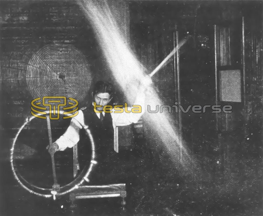 Nikola Tesla experimenting with currents of high potential and high frequency
