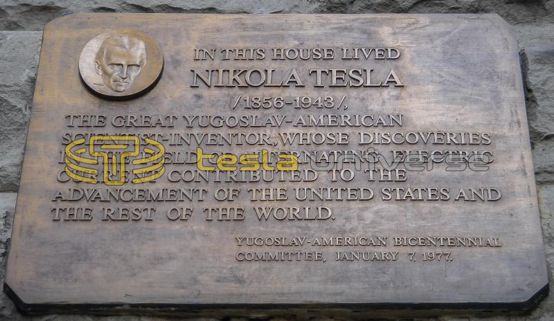 "Plaque honoring Tesla at ""The Radio Wave Building"""