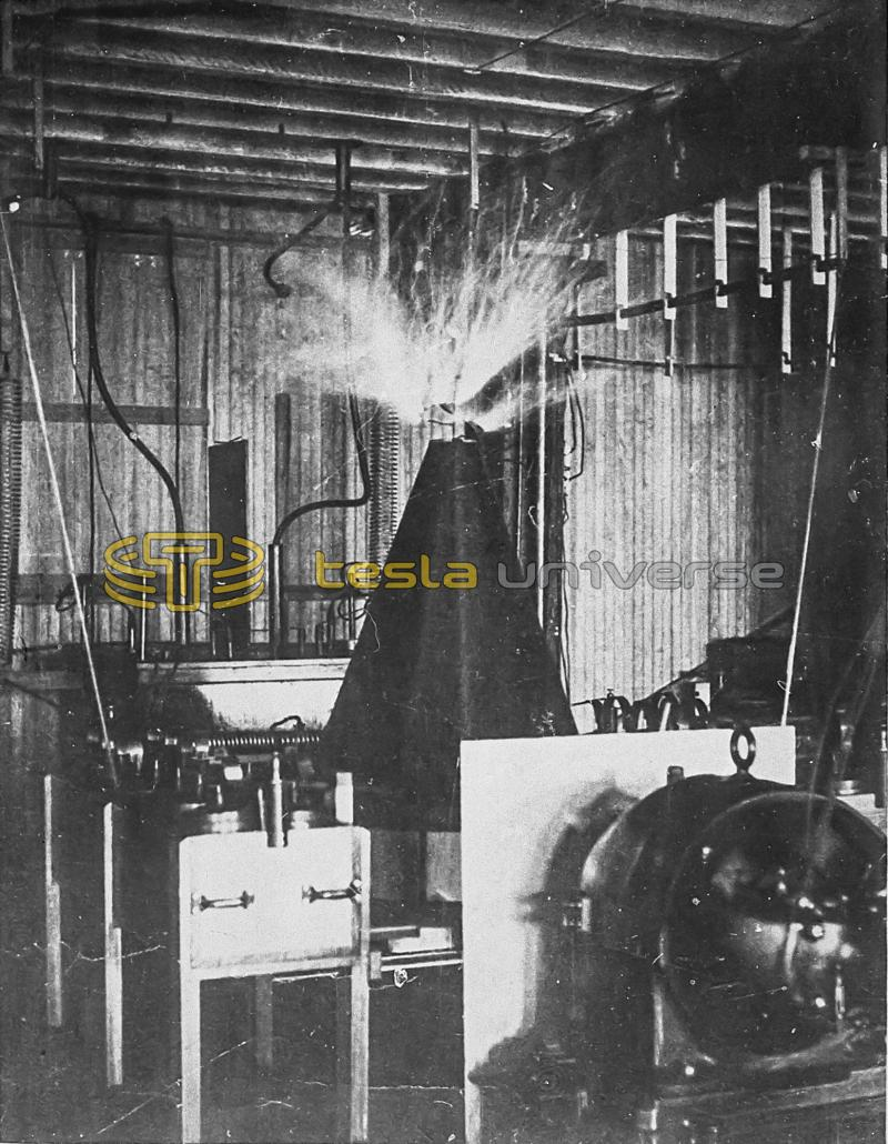 Tesla coil for ascertaining and discharging the electricity of the earth