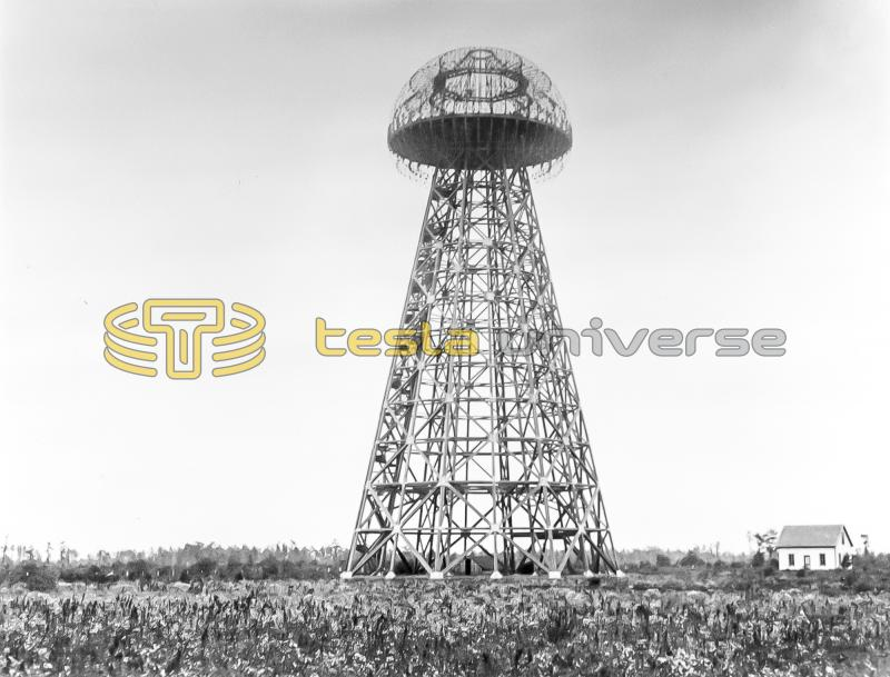 The Wardenclyffe tower of Nikola Tesla at the height of its construction