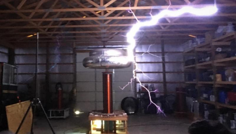 Roger Smith's Large DC Tesla Coil