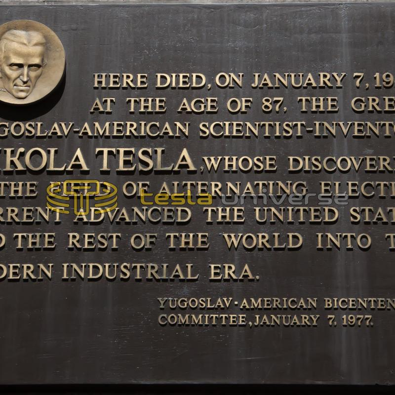 The commemorative plaque honoring Tesla at the Hotel New Yorker